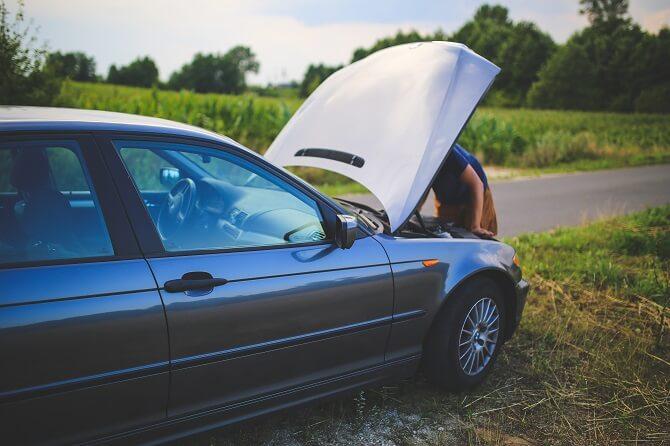 porucha auta se spalovacím motorem