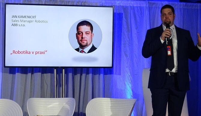 Jan Kamenický z ABB přednáší na konferenci Já, Robot