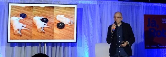 Jonathan Ledgard přednáší na konferenci Já, Robot