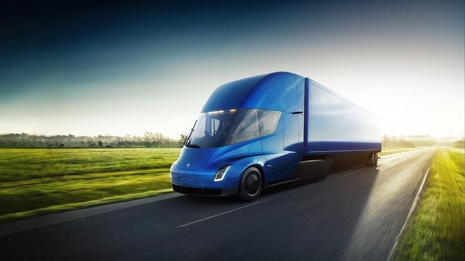Tesla Semi na dálnici