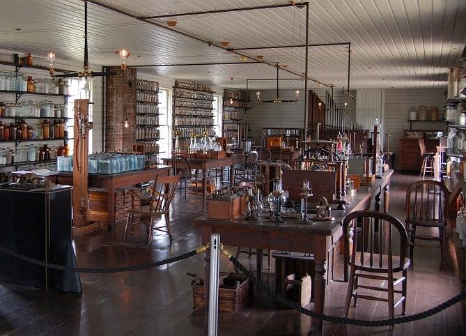 prostory Edisonovy laboratoře v Menlo parku