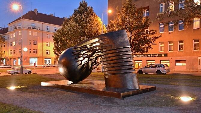 Teslův památník v Praze