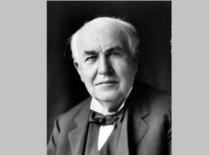 Thomas Alva Edison na fotografii z roku 1922