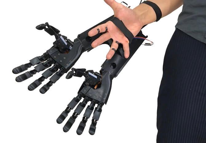 robotická ruka od Youbionic