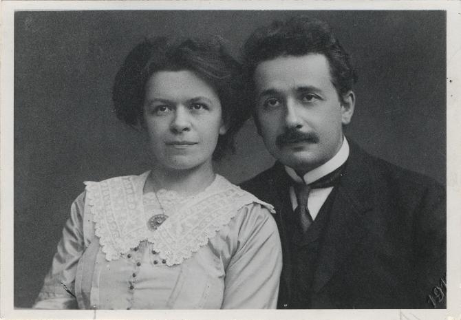 Albert Einstein Zivotopis Genia Jeho Vynalezy A Dalsi Zajimavosti
