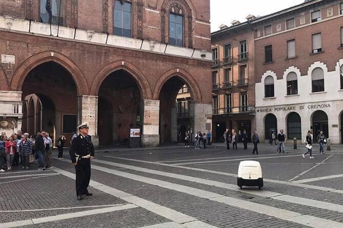 donáškový robot Yape v Itálii