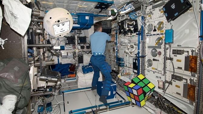 CIMON a Rubikova kostka