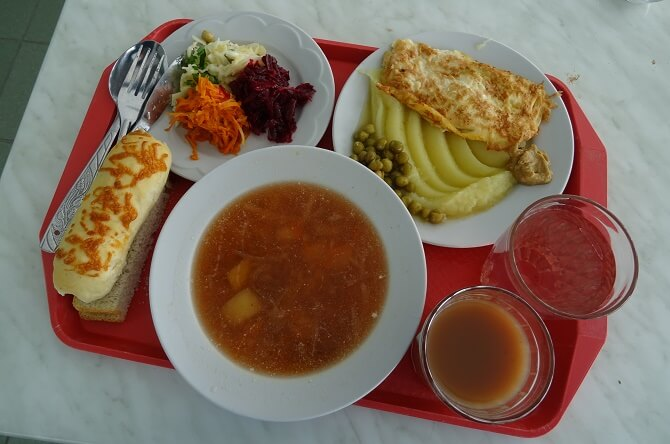 Oběd v černobylské kantýně