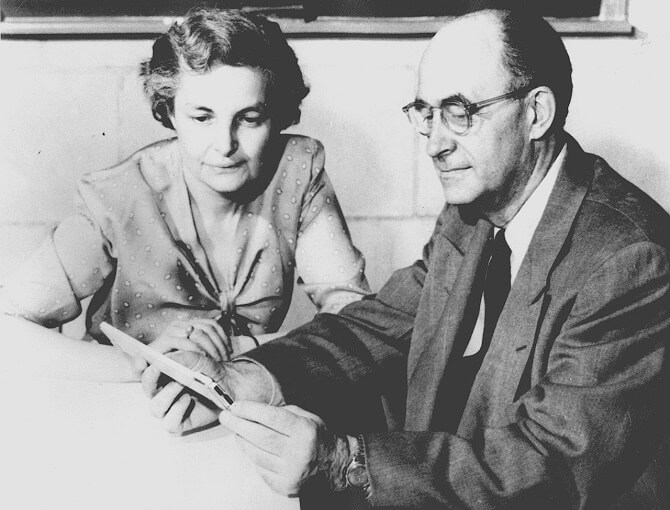 Enrico Fermi s manželkou Laurou