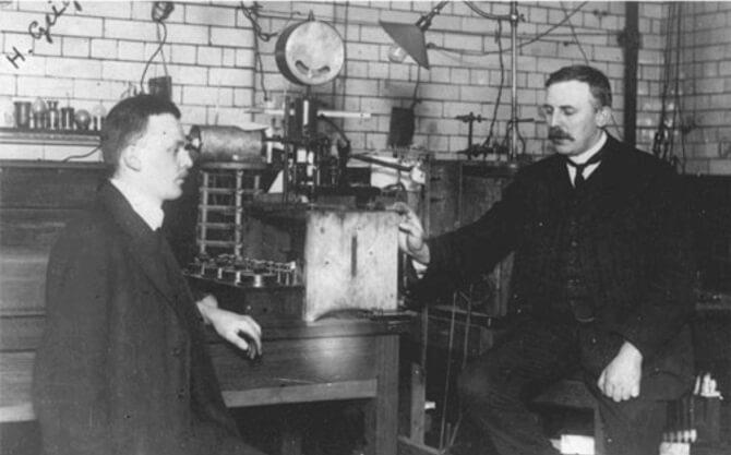 Hans Geiger a Ernest Rutherford