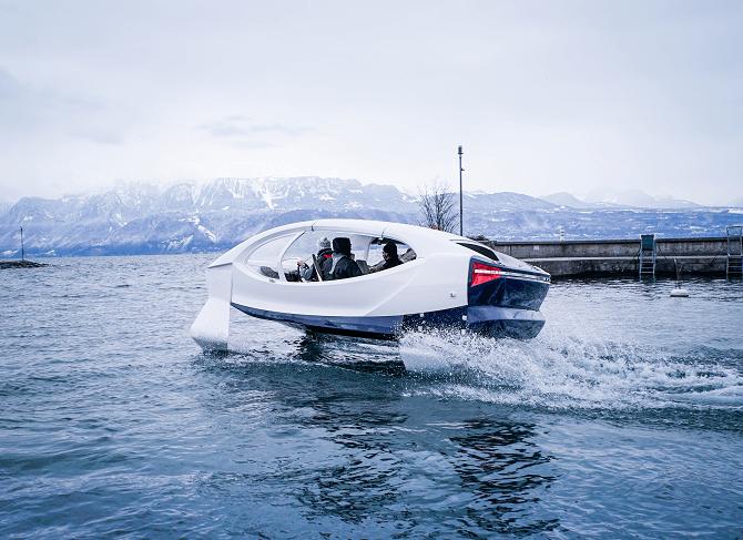 vodní taxi the Bubble v Ženevě