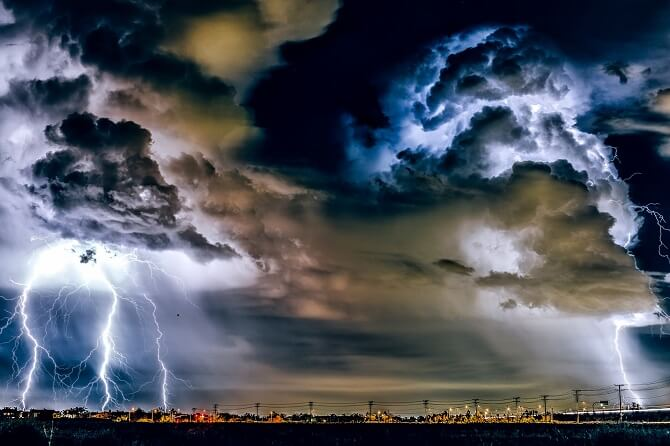 Elektrický proud a blesky