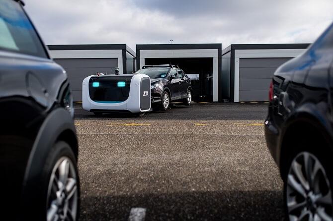 Parkovací robot Stan v akci