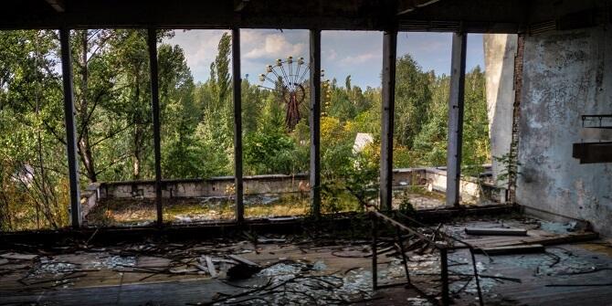 pohled na zábavní park v Pripjať, evakuované po výbuchu v Černobylu