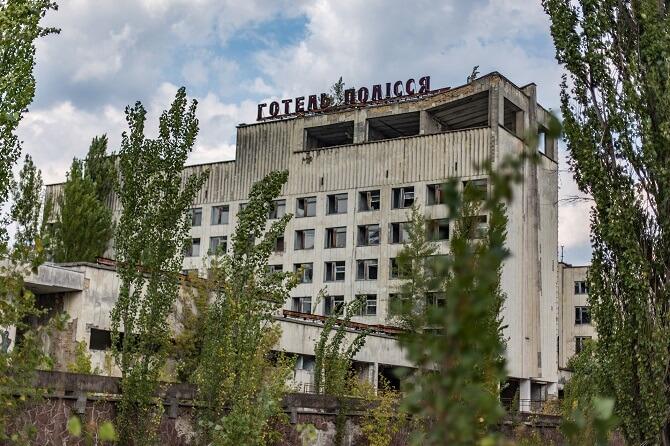 Hotel Polesí v zničeném městě Pripjať nedaleko černobylské elektrárny
