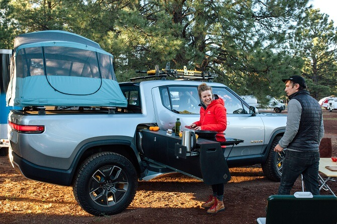 elektrický pick-up RT1 od automobilky Rivian