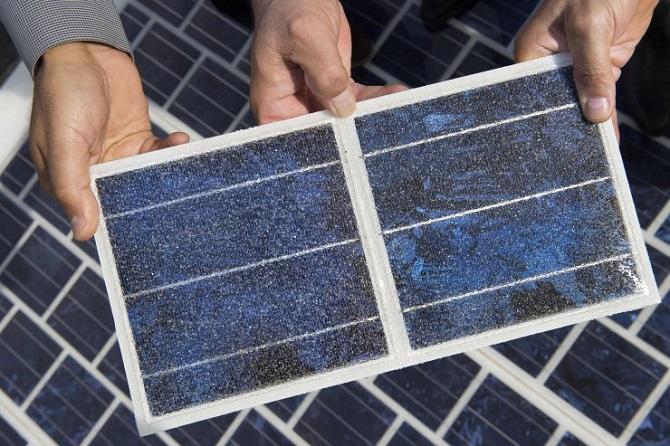 Povrch solárních panelů Wattway.
