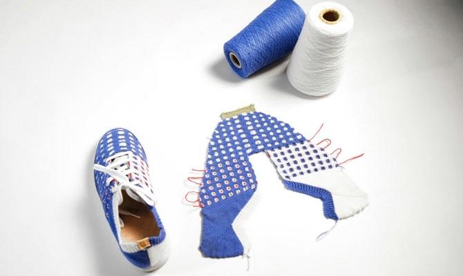 Stroj pomůže s výrobou svetrů i dalších doplňků.