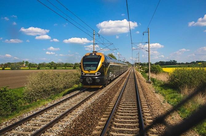 Stávající černo-zlaté vlaky LEO Express.