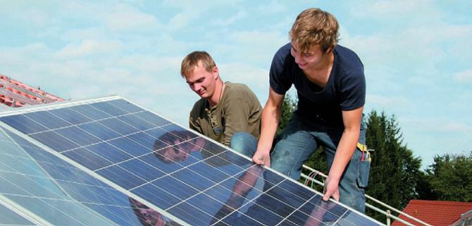Instalace fotovoltaických panelů zpravidla nezabere více než dva dny.