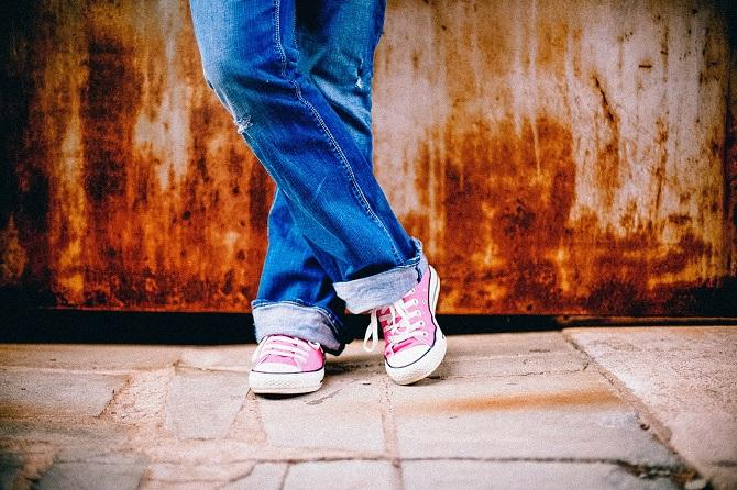 Pokud vás trápí statická elektřina, tak na gumové boty zapomeňte.