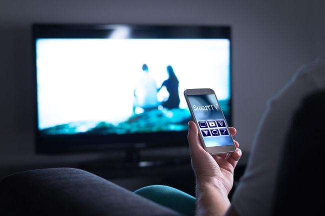 Chytrá televize se dá ovládat i mobilním telefonem
