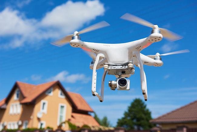 Řidičák na dron: Kdy ho potřebujete?