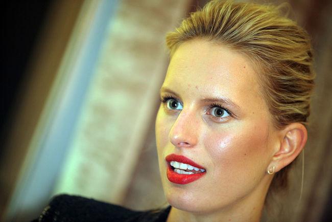 Modelka Karolina Kurková se podílela na kolekci Cybex.