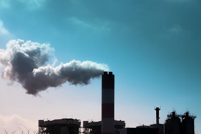 Kritika emisních povolenek: Nejasné výpočty a minimální dopad