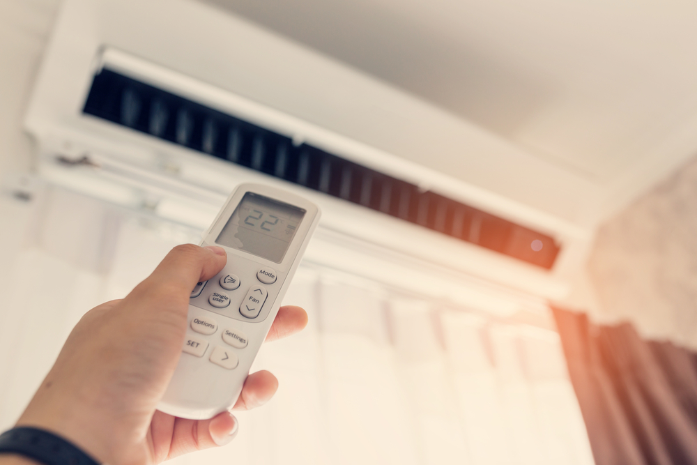 Výhodou nástěnné klimatizace je to, že se snadno reguluje