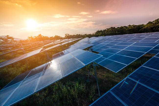 U fotovoltaických parků se využívá sklon okolo 20°.