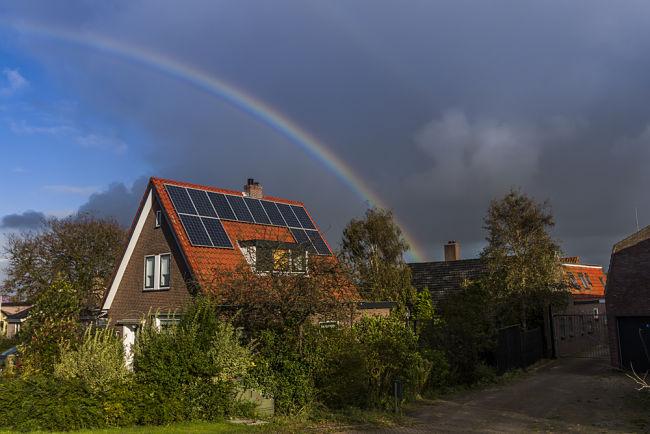 Solární panely odolávají i vrtochům počasí.