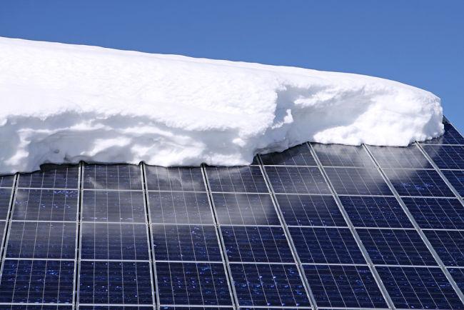 Zasněžené solární panely