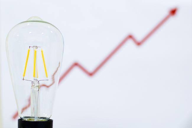 Měli bychom si na každoroční zvýšení cen elektřiny začít zvykat?