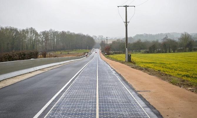 Solární stezka překvapila svým umístěním v zamračené Normandii.