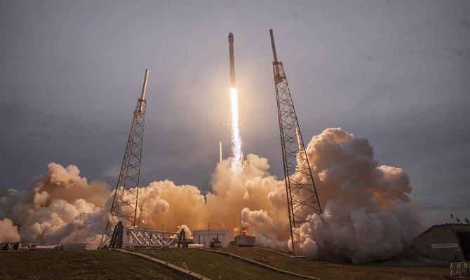 Falcon 9 za sebou má i úspěšné starty. Tentokrát se bohužel pokus nezdařil.
