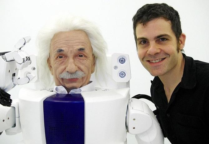 Albert Einstein Hubo s Robertem Hansonem.