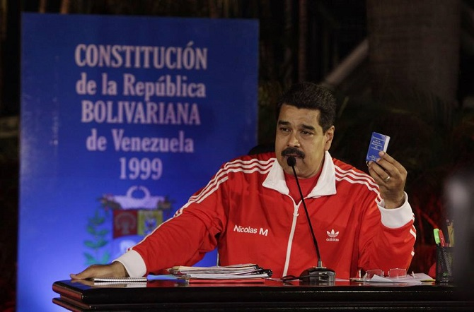 Huga Cháveze v prezidentské funkci nahradil Nicolás Maduro.