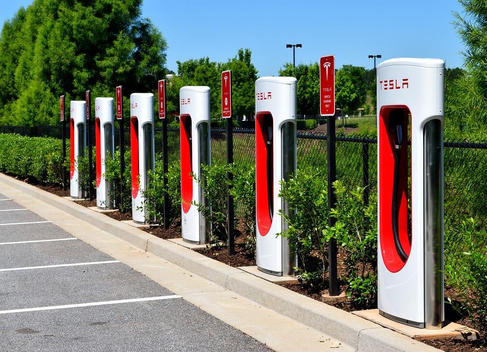 Nabíjecí stojany Tesla