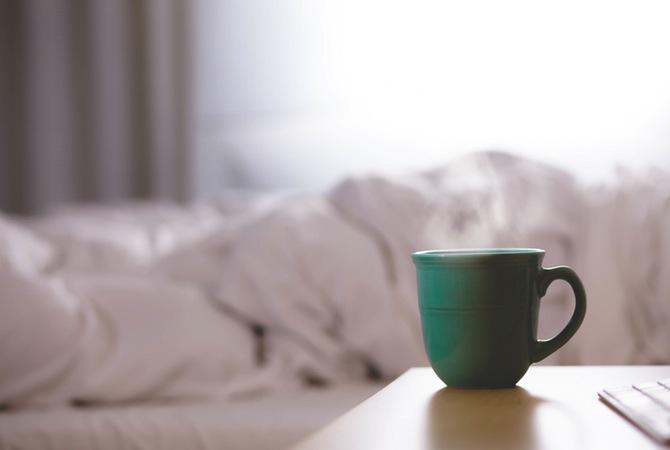 Teplá deka a horký nápoj pomohou v boji proti chladu. Ale jen krátkodobě.