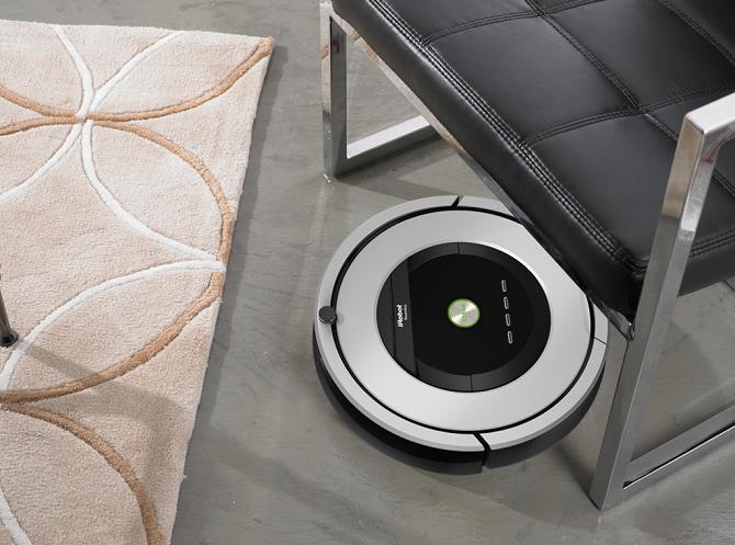 iRobot Roomba 886 - jeden z nejkvalitnějších, ale také nejdražších robotických vysavačů na trhu.