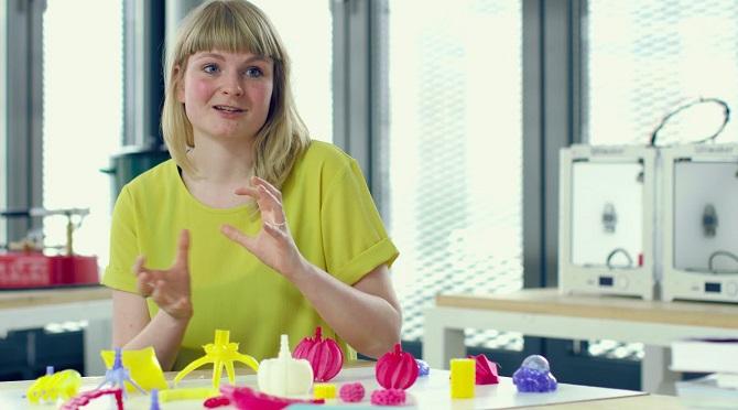 Nizozemská umělkyně chce dokázat, že technologie a umění mohou pohodlně koexistovat.