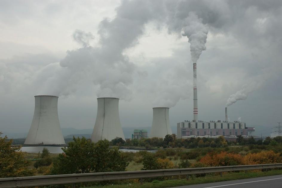 Spotřeba elektřiny dosáhla rekordu, stále více se jí vyrábí z uhlí